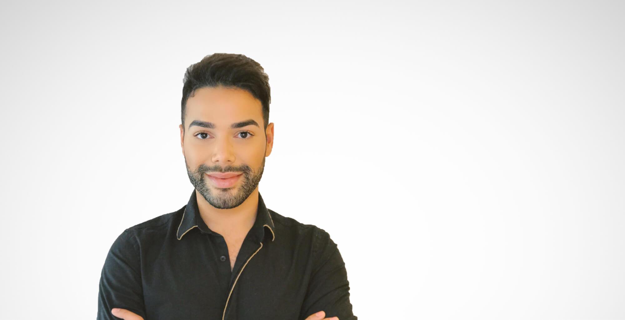 Luis Hair Stylist At Fabio Scalia Salon Soho Great Lengths Hair